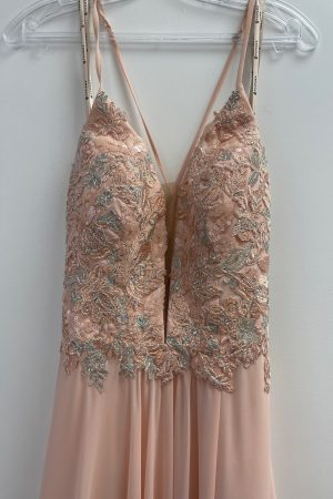 Faviana 10201 Prom Gown in Light Peach Size 6