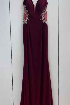 Lucci Lu 90040 Prom Gown in Burgundy Size 2 & 6